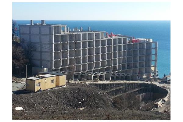 Çok katlı konut kompleksi,  YALTA  2012